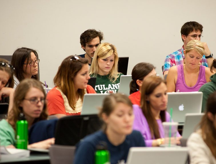 3 Tips For Giving Better Student Feedback In Large Courses